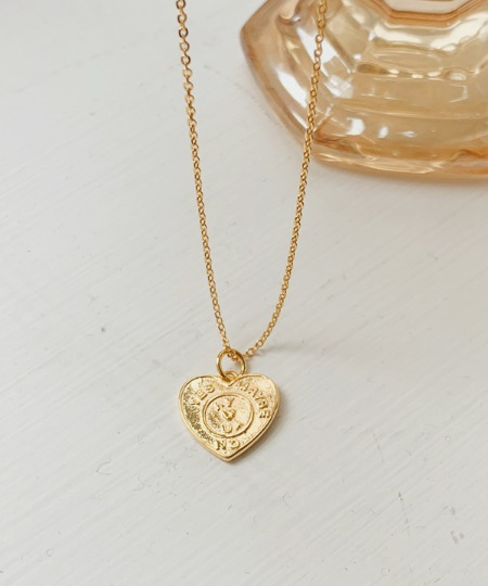 Mabi heart necklace