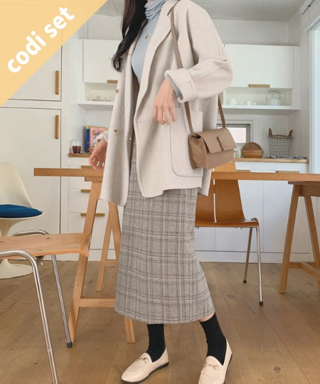 Page Double Coat Wool 90% + Turban Wool Neck Polarity + Slit Check Skirt