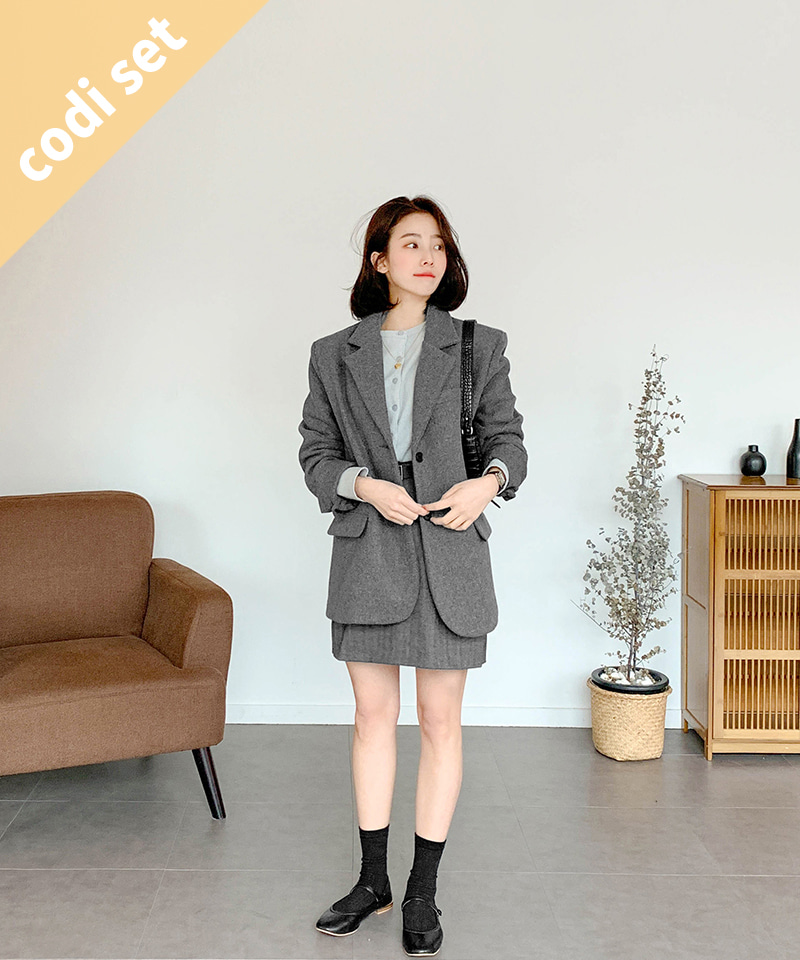 Moment overfit jacket wool 70% + Moment belt skirt