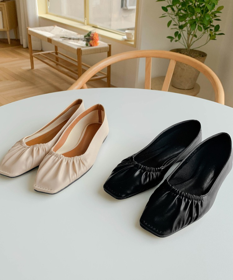 Kennedy flat shoes