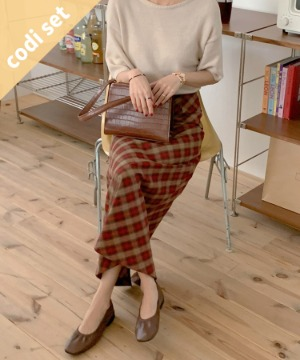 More Wool Short Sleeve Knit + Den Check Long Skirt